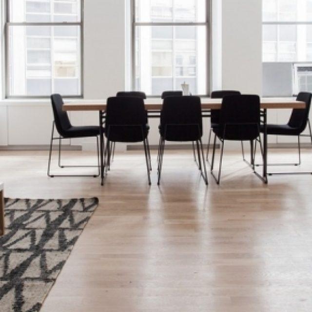 Come rivestire il pavimento senza doverlo rimuovere