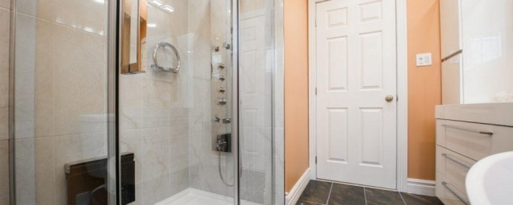 Come scegliere un box doccia tra design e funzionalità